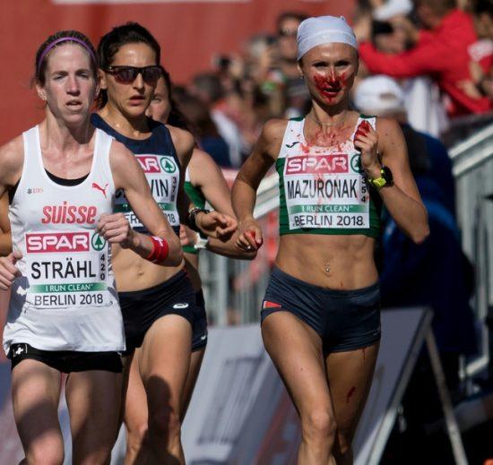 Perde molto sangue dal naso ma vince ugualmente l' oro nella maratona femminile di Berlino