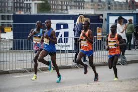 Oggi LIVE la Mezza di Copenaghen con 17 runner sotto l' ora