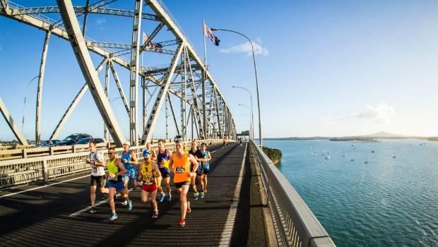 Finiscono all'ospedale 6 maratoneti in Nuova Zelanda, uno è gravissimo