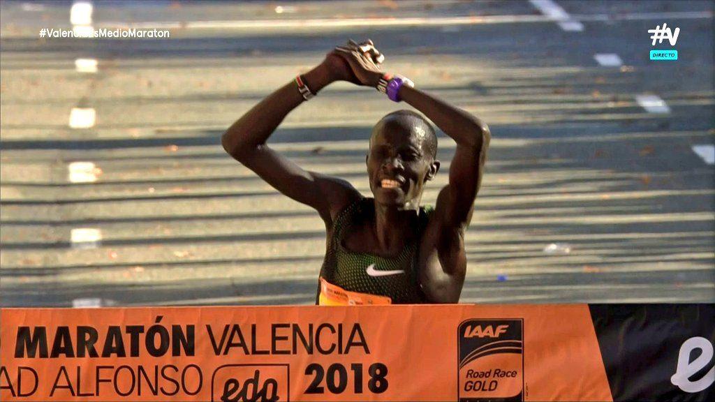 Record del mondo alla mezza maratona di Valencia,  ottimo l'azzurro Riva