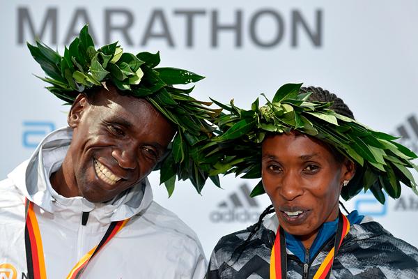 KIPCHOGE E CHERONO eletti migliori maratoneti mondiali 2018