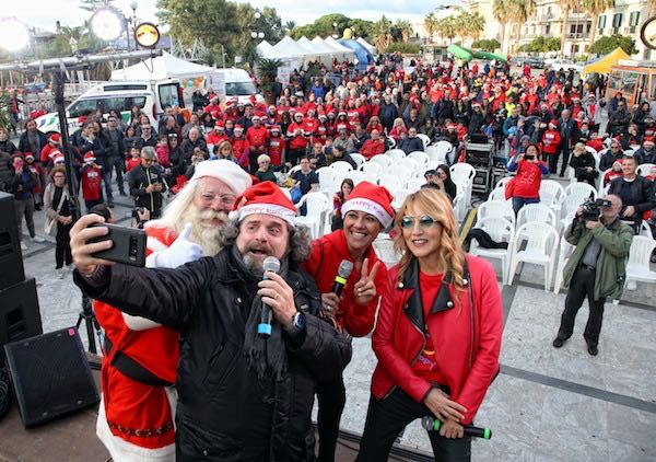 "Grande successo ieri per la ""Happy Run for Christmas"" di Giusy Versace: in 700 al via!"