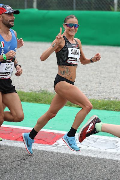 Sara Dossena corre a sorpresa e vince  a Novara