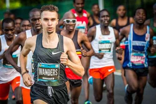 Uno strepitiso Julien Wanders frantuma il record europeo di 10 km su strada
