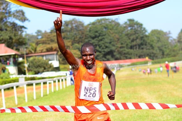 Geoffrey Kamworor, 3 volte campione del Mondo di mezza maratona in grande spolvero per i Mondiali di cross