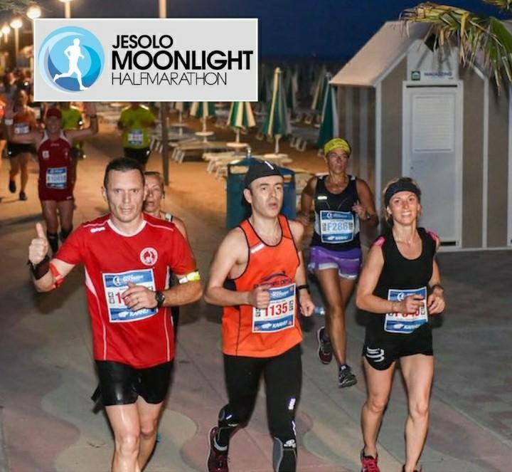 "Torna la grande festa della ""corsa del sabato sera"" con la Jesolo Moonlight Half Marathon & 10K!"