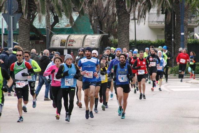 Andrea Falasca Zamponi e Marcella Mancini vincono a San Benedetto la Maratonina dei Magi Memorial Sabatino D'Angelo