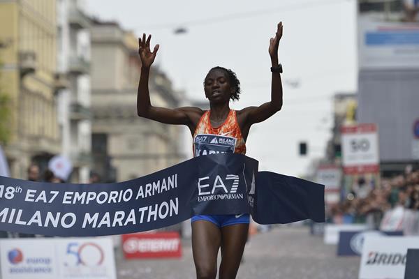 Squalifica di 2 anni per doping della vincitrice della Milano Marathon