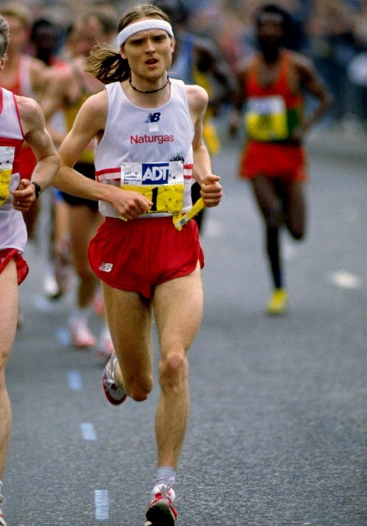 Muore di infarto l'ex vincitore della maratona di Londra 1998,  durante un allenamento