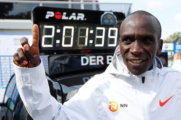 Nel 2032 si correrà la maratona in 1h58 al maschile e 2h05 al femminile