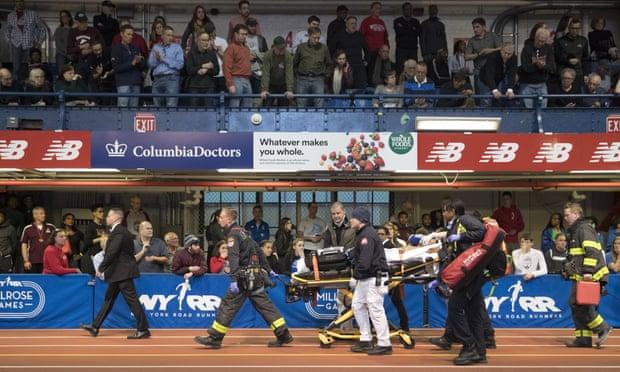 Drammatico 3000 ai Millrose Games di New York, crolla a terra il giamaicano Campbell