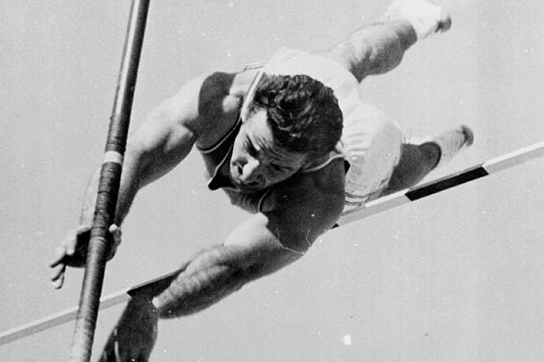 MORTO IL CAMPIONE OLIMPICO DI SALTO CON L'ASTA DEL 1960 A ROMA  DON BRAGG