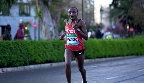 Joyciline Jepkosgei,  primatista mondiale di mezza maratona, debutterà nella Maratona ad Amburgo