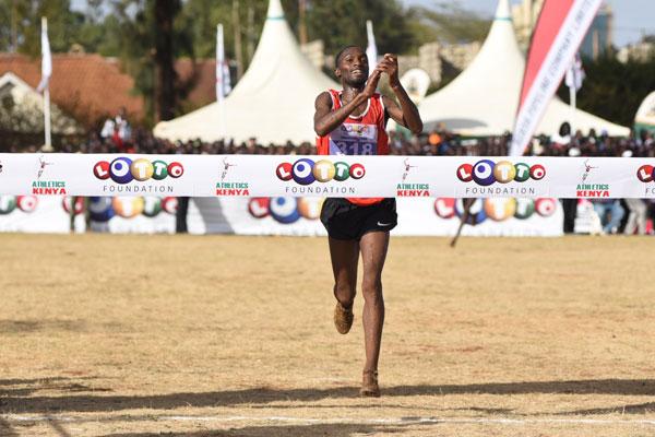 Sorpresa in Kenya nei campionati di cross, Amos Kirui vince battendo il campione mondiale