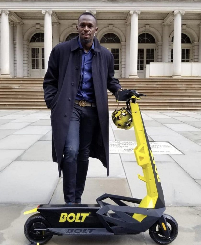 """Usain Bolt diventa """"Uno scooter elettrico"""""""