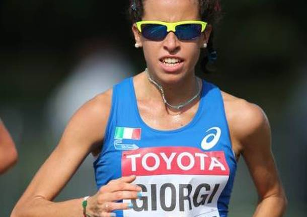 Eleonora Giorgi si distingue nella 10 km di marcia a Scanzorosciate (Bergamo)