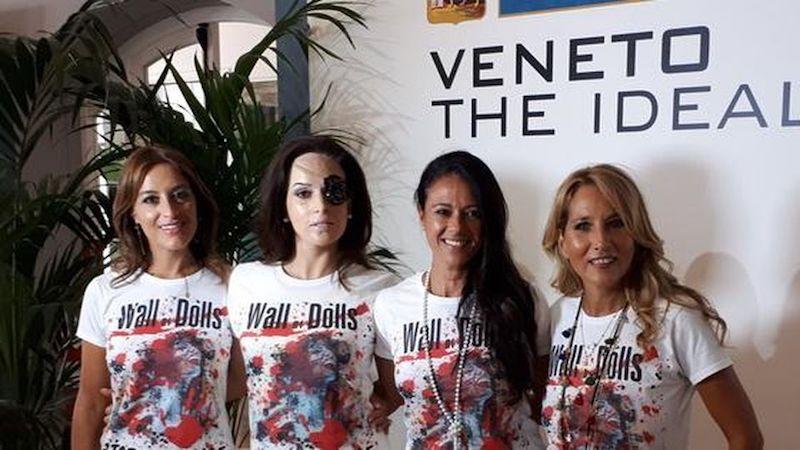"""8 marzo: Giusy Versace inaugura a Venezia """"Wall of Dolls"""""""