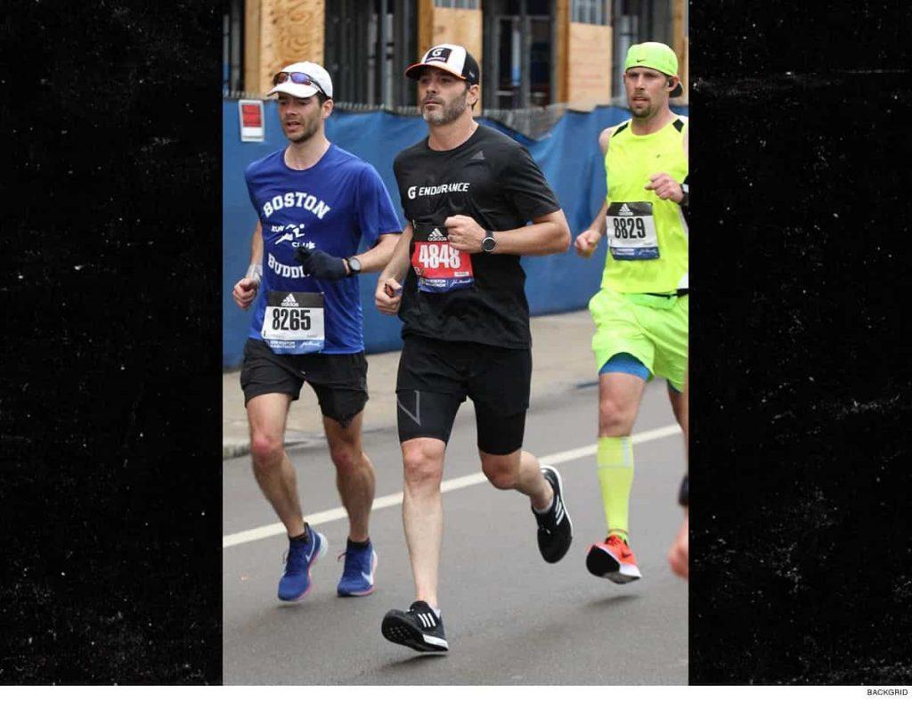 Pilota NASCAR corre la sua prima maratona a Boston in poco più di 3 ore