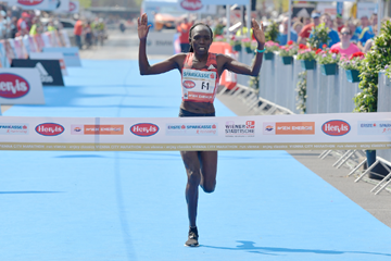 Nancy Kiprop distrugge il record della Vienna City Marathon