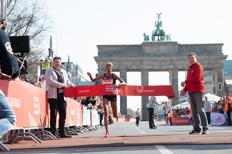 Sifan Hassan vince, con il record  della corsa la BERLIN HALF MARATHON 2019