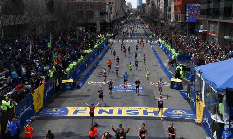 Trio di runner cinesi sorpresi a barare durante la Maratona di Boston, squalificati a vita!
