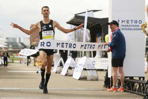 Storica doppietta tedesca nella Maratona di Düsseldorf,  senza atleti africani!