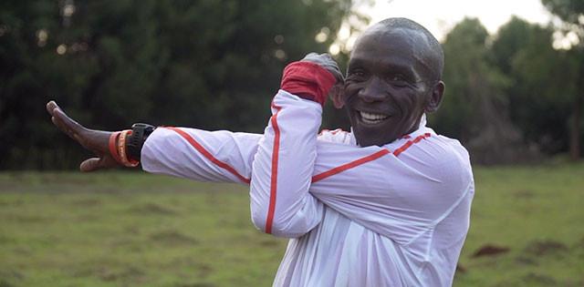 Eliud Kipchoge: un film racconta come vive, mangia e si allena in Kenya