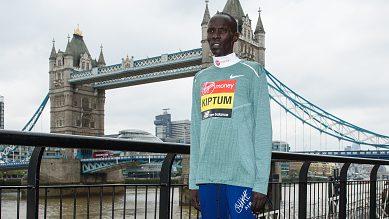 Clamorosa squalifica per doping del primatista mondiale di mezza maratona alla vigilia della Maratona di Londra