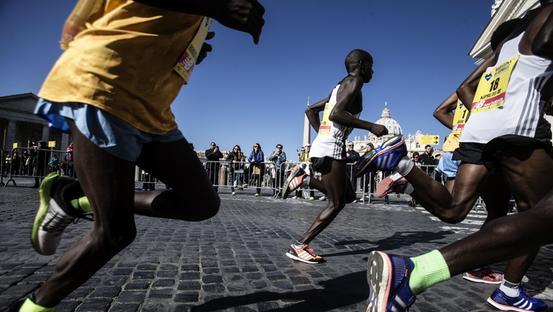 Divampano le polemiche sullo stop agli atleti africani nella Maratona di Trieste
