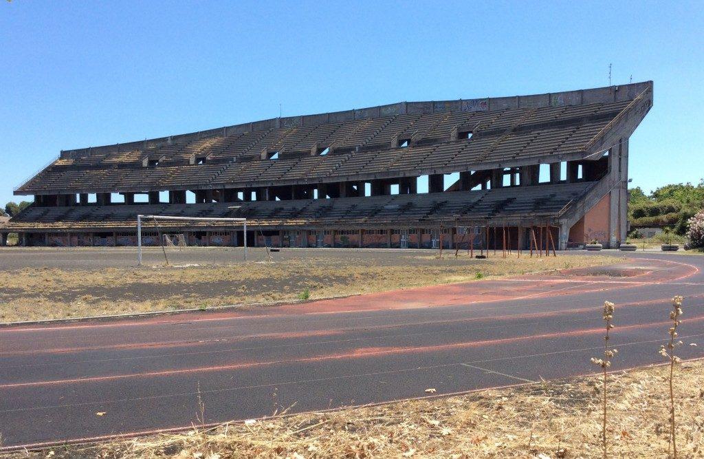 Problema impianti:  in Sicilia allenamenti tra i rifiuti allo stadio di atletica