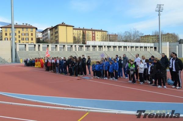 """Obbrobrio a Trieste! TIR distruggono la pista di atletica per """"adeguare"""" il campo da calcio- Il video"""
