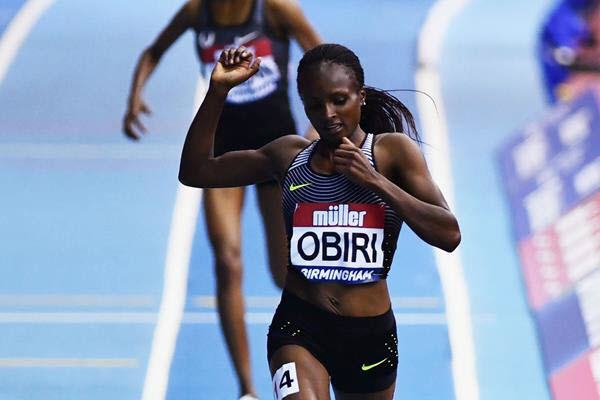 Il video di Hellen Obiri che combatte e vince contro  Genzebe Dibaba nei 3000 di Doha