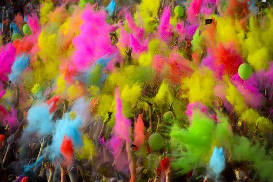 Foto LaPresse - Marco Alpozzi 10 06 2017 Milano (Italia) Sport The Color Run - Milano Nella foto: Color Blust Photo LaPresse - Marco Alpozzi June 10, 2017 Milan ( Italy) Sport The Color Run - Milano Nella foto: Color Blust