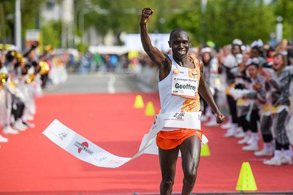 Geoffrey Kamworor batte il record del percorso nelle 10 miglia del Grand Prix di Berna