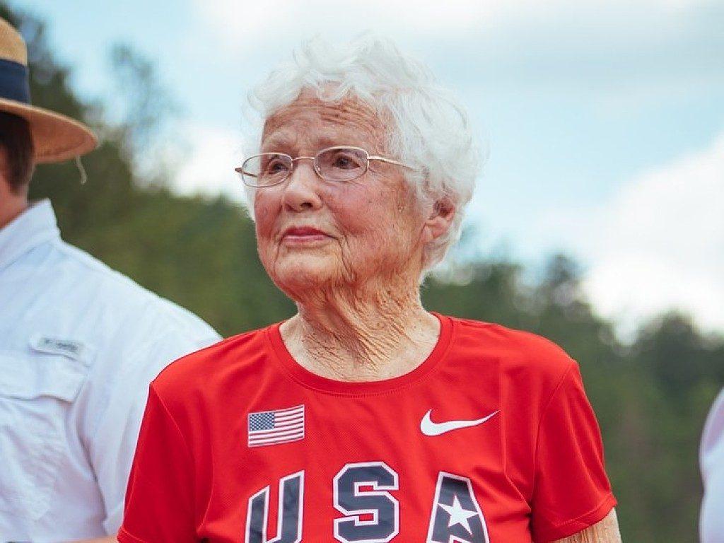 Non è mai troppo tardi, Julia Hawkins ha iniziato a correre a 100 anni