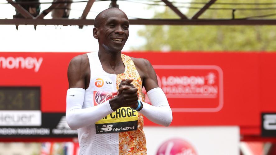 Finalmente Kipchoge ha scelto: tenterà di correre  una maratona sotto le due ore a Vienna in ottobre