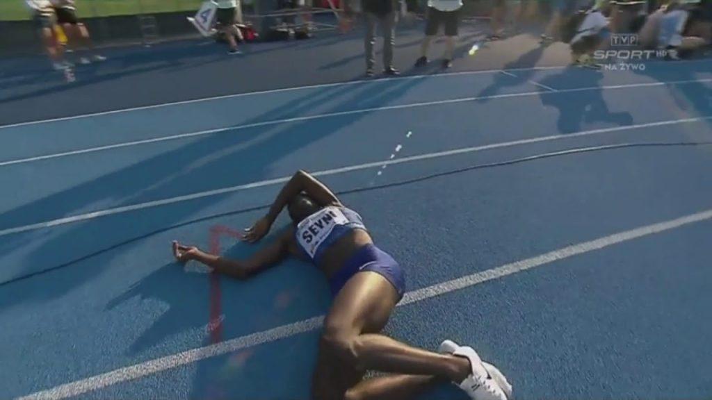 Il video della spettacolare rimonta dall'ultimo posto alla vittoria nei 400 metri donne della nigeriana Amina Seyni
