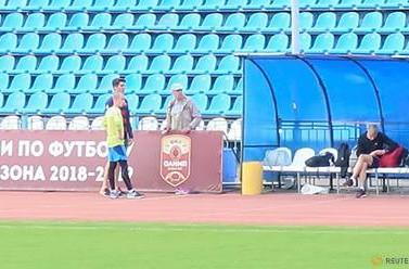 Nonostante una  squalifica di 10 anni per doping, allenatore russo beccato ad allenare