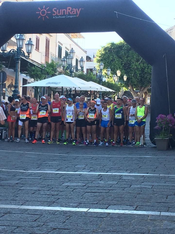 Podismo: Terza tappa al Giro Podistico di Ustica Trofeo AMP, in un venerdì spettacolare, vittorie di Fabio Gervasi e Patrizia Borrelli.