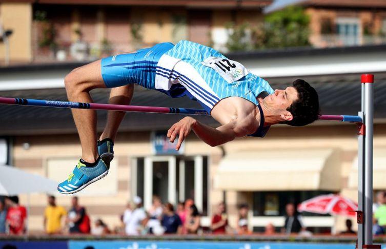 Stefano Sottile senza avversari salta 2.33 e va in vetta al mondo- di Giuseppe Baguzzi