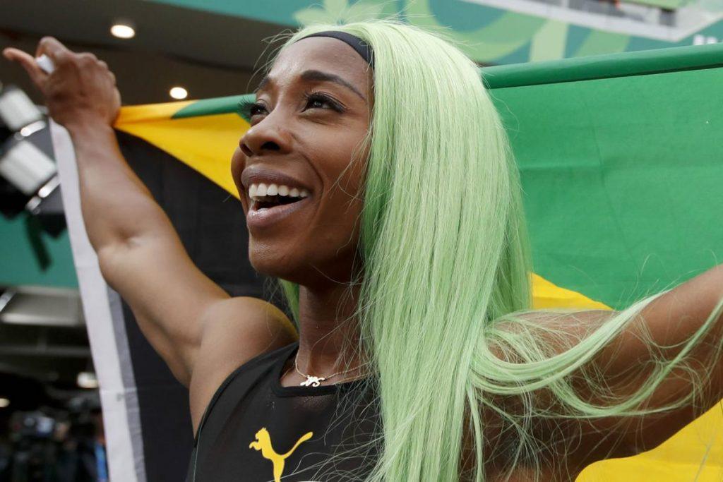 Il video di Shelly-Ann Fraser-Pryce che batte il record dei 200 metri ai Panamericana, vecchio di 40 anni