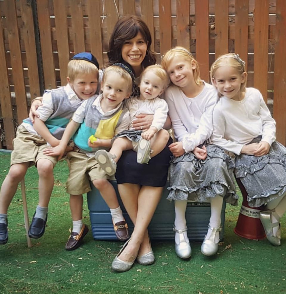 Ecco la super mamma-runner: 3 anni fa non correva e aveva 4 figli, oggi è campionessa israeliana di maratona, ha 5 figli e la speranza di Tokyo 2020.