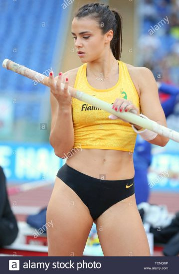 roma-italia-jun-06-sonia-malavisi-dell-italia-compete-in-donne-caso-pole-vault-durante-la-iaaf-diamond-league-2019-golden-gala-pietro-mennea-in-tcng6p