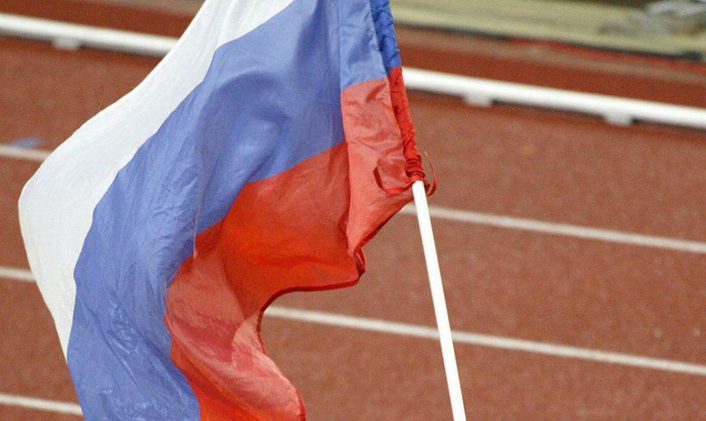 Allenatore-giudice di gara  russo lima 8 secondi negli 800 metri ad un suo allievo al termine della gara