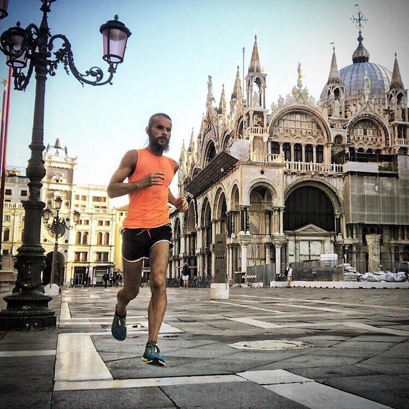 Leo Di Angilla alla 34^ Huawei Venicemarathon per correrla, viverla e raccontarla in un libro