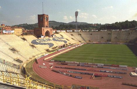 Anche Bologna contro la pista di atletica dello stadio Dall'Ara