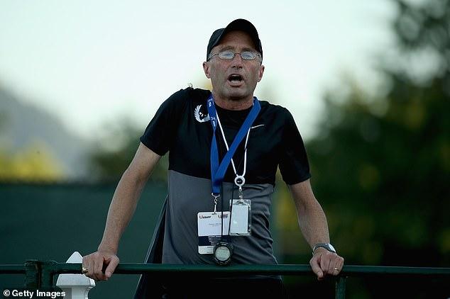 Doping: un atleta del team di Salazar sarebbe positivo all'Epo