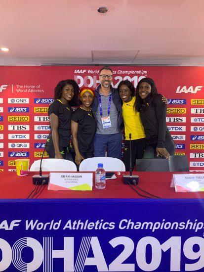 Doha - oro 4x100F con Marco Vaccari, Hotel Fra I Pini, Lignano