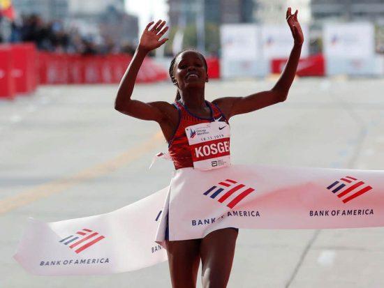 Stratosferico record del mondo nella maratona femminile di Brigid Jepcheshire Kosgei