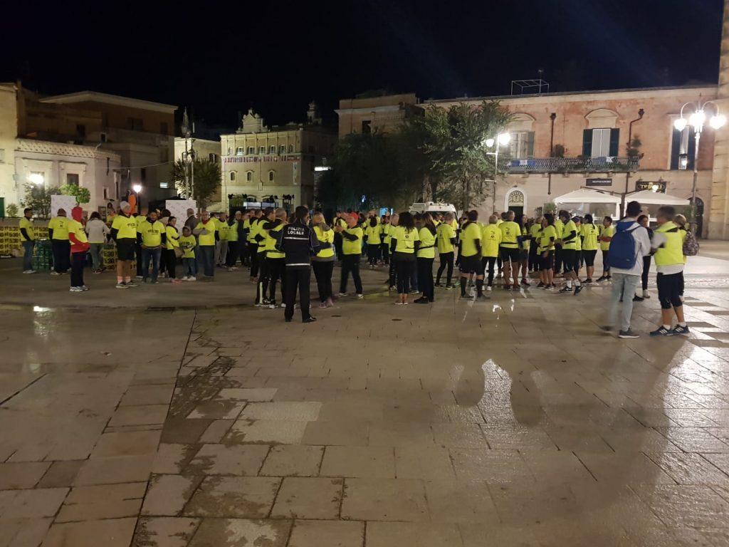 """Una onda gialla sveglia Matera: Successo per la Run 5.30 """"Yellow edition"""" tra i Sassi- Le foto"""